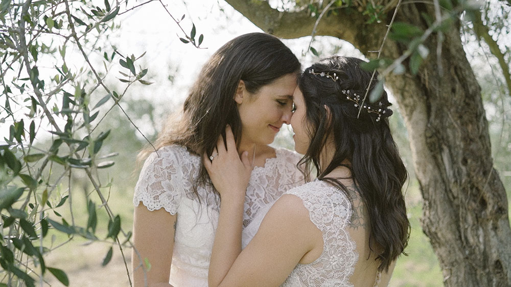 2brides samesex wedding in tuscany villa le bolle lgbt
