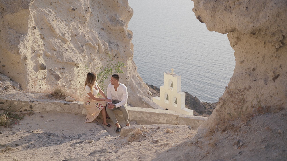 engagement shooting santorini sunset video